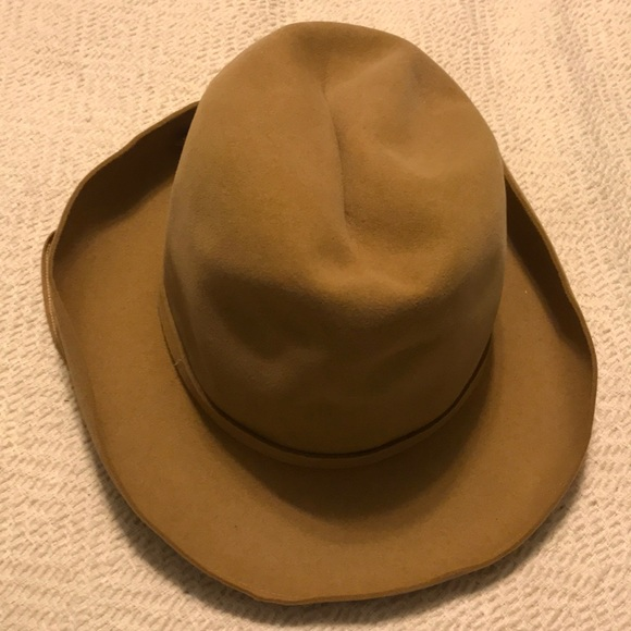 beb2546f9a6 Dior Accessories - Christian Dior Chapeaux Paris New York Camel Hat